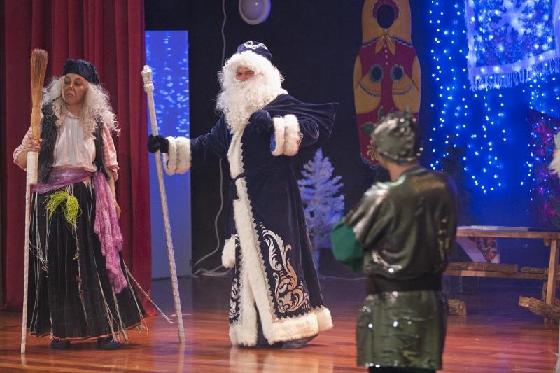 Ha llegado Ded Moroz!!  Ahora se puede celebrar la fiesta!