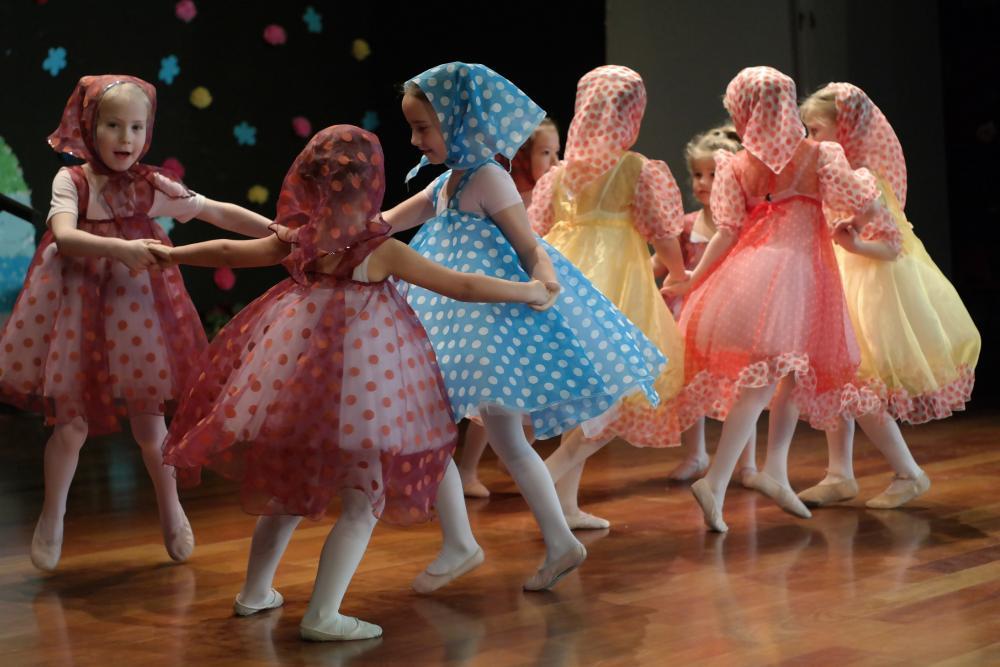 De nuevo bailan las chicas de Ballet