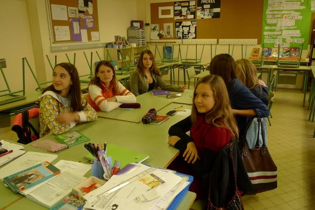 Урок Литературы в 5м классе   - наши  красавицы  - старшеклассницы!!!
