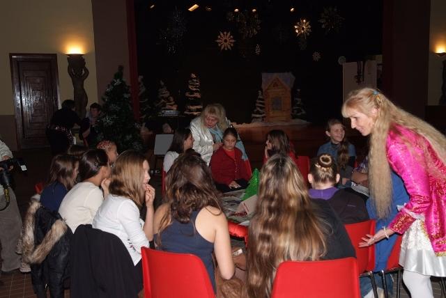 Новогодний Вечер для подростков - веселые конкурсы, задания, игра по командам